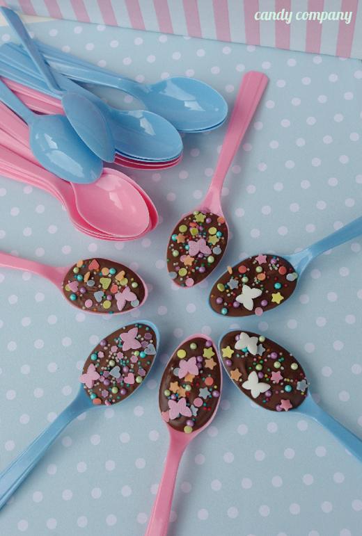 łyżeczki z czekoladą