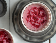 Cornelian cherry (dogwood) mini swirl cheesecake, easy to make delicious and so pretty!