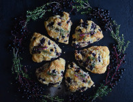 Best scones recipe. Lemon & thyme Elderberry scones, super moist inside and crunchy on the outside delicious breakfast idea