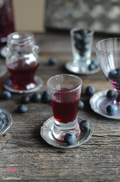 Make homemade sloe gin, perfect for drinks or cocktails and for baking too!