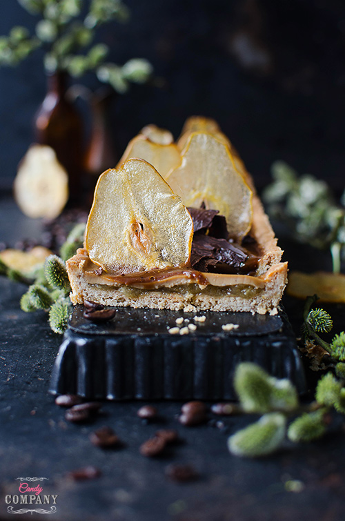 Coffee panna cotta tart with pear mousse and coffee caramel sauce