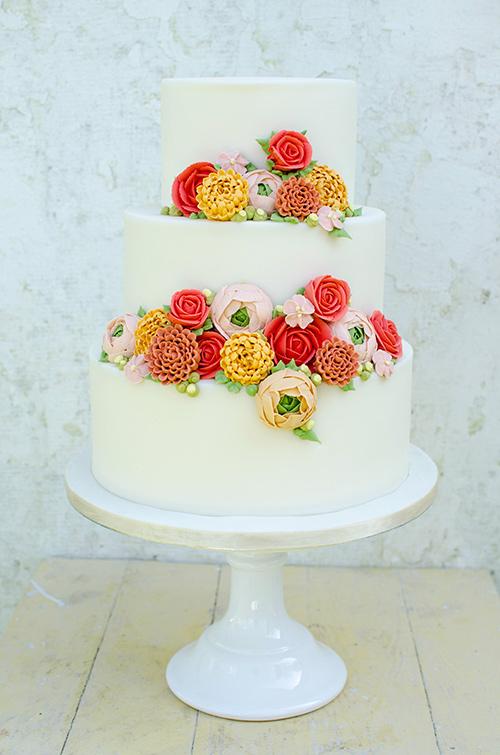 Piped buttercream flower cake