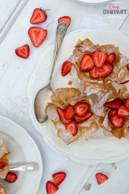 strawberry phylo dough cups with halva filling