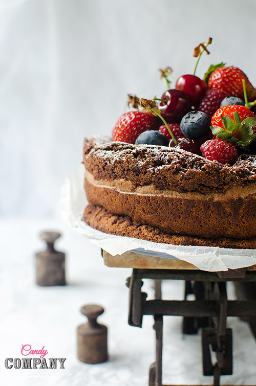 Moist chocolate olive oil cake, flourless & gluten free