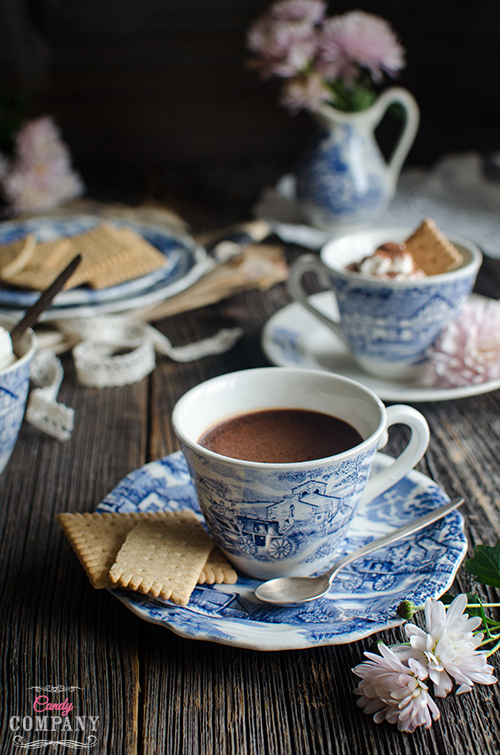 Chocolate pots de crème recipe easy and delicious. Food photography by Candy Company
