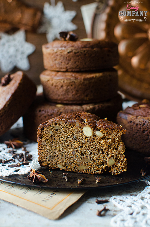 Madeira honey cake - bolo de mel recipe. Food photography by Candy Comapny