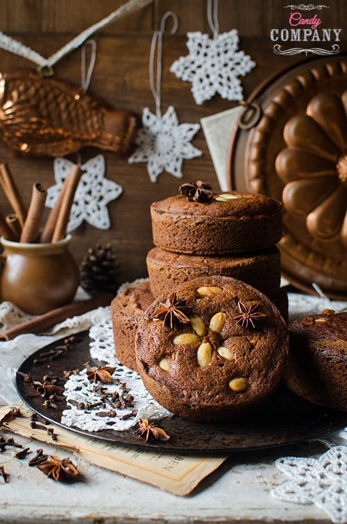 Madeira honey cake - bolo de mel recipe. Food photography by Candy Comapny