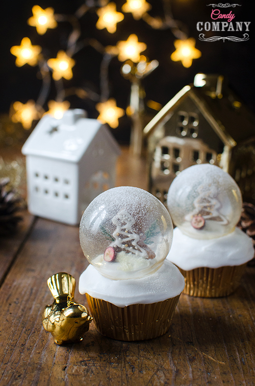 Christmas snow globe cupcakes with gelatin bublles decoration. Food photography by Candy Company