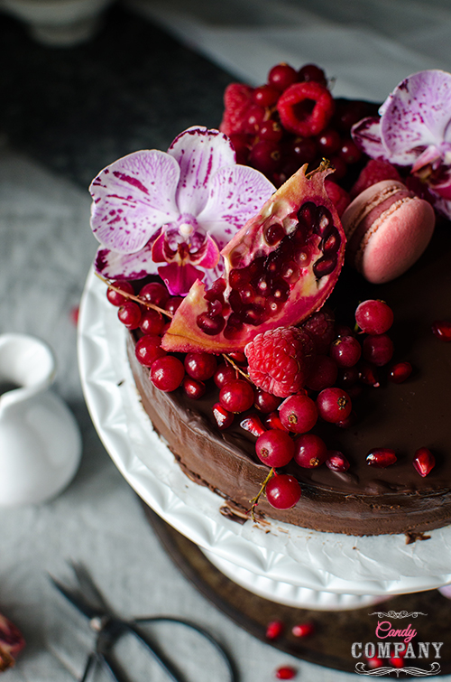 Vegan chocolate cake recipe. Food photography by Candy Company