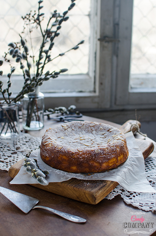 almond ricotta cake, flourless and gluten free. Food photography by Candy Comapny