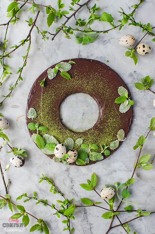 Healthy, no bake mint chocolate cake - perfect for Easter! Food photography by Candy Comapny