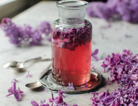 lilac syrup recipe. Food photography by Candy Company