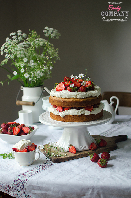 strawberry and sour cream layer cake recipe. Food photography by Candy Company