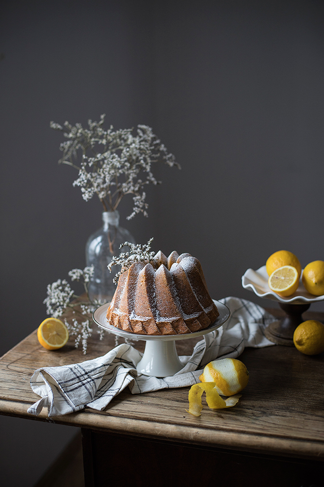 lemon poppy seed bundt cake recipe. Food photography by Candy Comapny