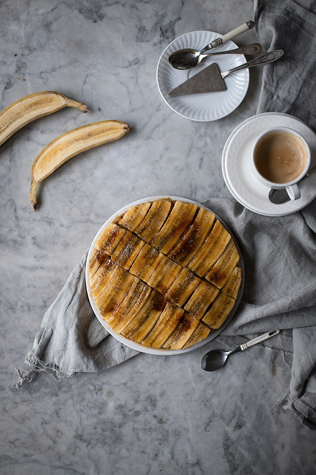 Peanut butter banana tart recipe. Food photography by Candy Comapny