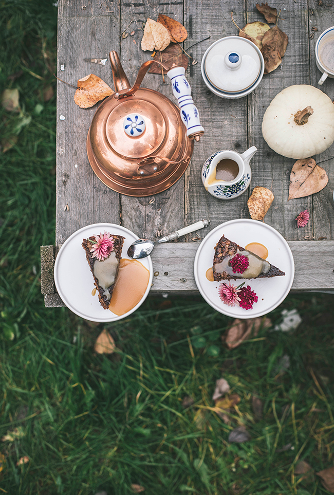 Sticky toffee pudding. Ciasto daktylowe z sosem toffi