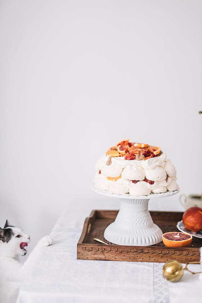 tort bezowy pavlova
