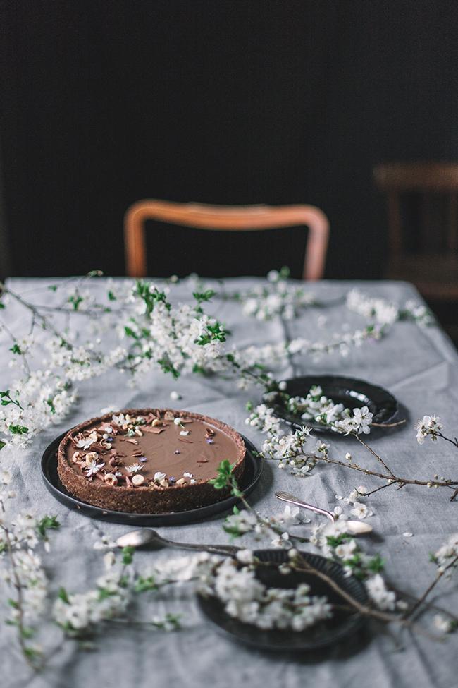 Vegan caramle latte tart. Wegański mazurek caramel latte