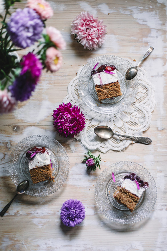 bezglutenowe ciasto kokosowe z tahini